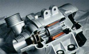 BMW의 전자식 워터 펌프는 많은 장점이 있으며 연료를 절약 할 수 있습니다